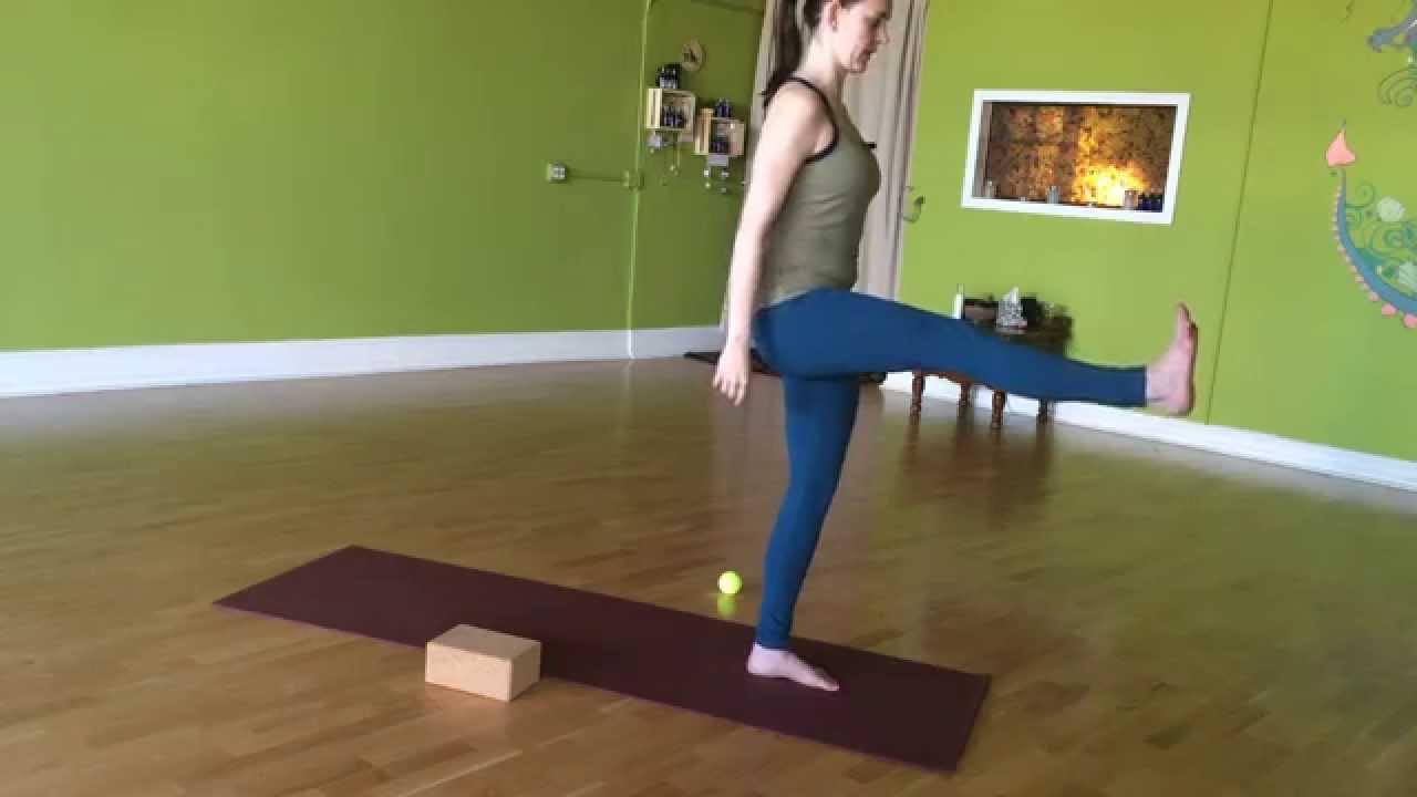 Yoga Class For Feet, Legs  Hips - 30 Min - With Brentan