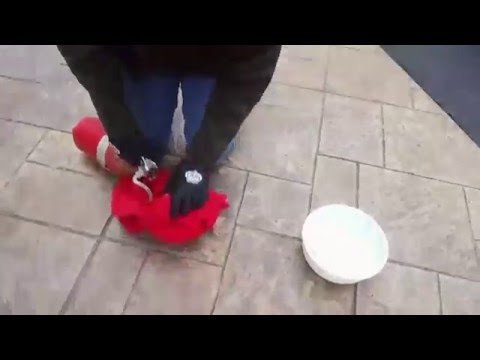 How to make homemade dry ice with with a fire extinguisher!! Super cool and easy