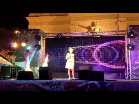 Virginia Dalla Torre canta Listen