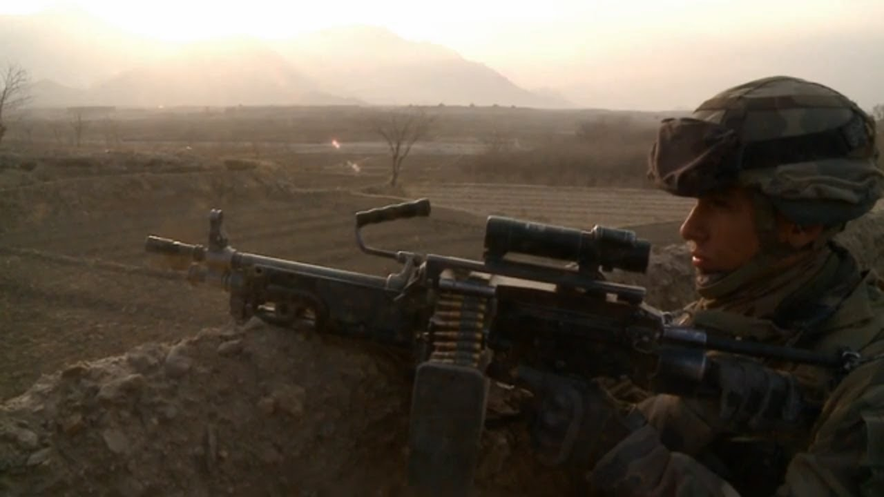 """Download """"En Avant""""  ! - les troupes de marine au cœur des combats - Le film"""