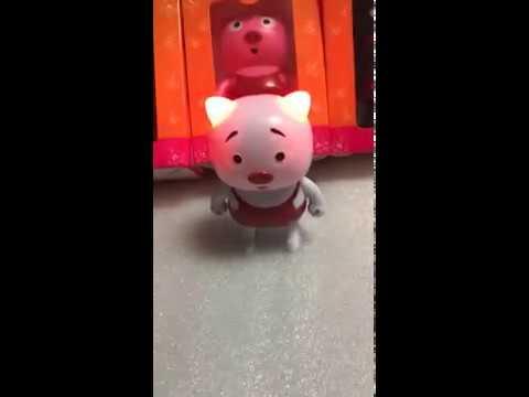 2018 Smart Pig Robot Type Dancing Speaker  COOL AND CUTE