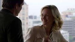 Javier Peña flirts with Franklin Jurado's wife Christina (Narcos S03e05 - Pedro Pascal, Kerry Bishé)