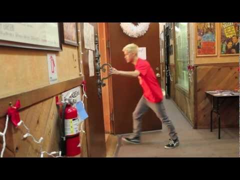 Kyle Hanagami | Moondance - Michael Bublé