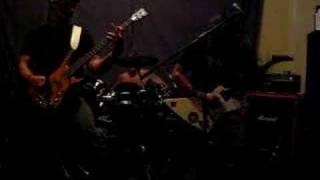 Obligatorisk Tortyr - Avloppsbrunn (live)