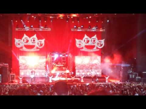 Five Finger Death Punch - The Bleeding Live @ Mayhem Festival 2013 White River Amphitheatre