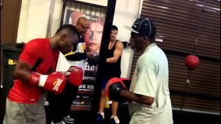 Guillermo Rigondeaux  vs joseph agbeko dev 7 on HBO EsNews Boxing