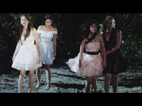 Teddy bears picnic (Anne Murray, sang by Janel Parrish)    Pretty Little Liars