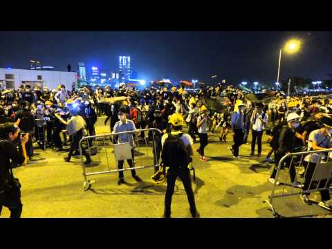 Hong Kong protesters occupy Lung Wo Road again on November 30