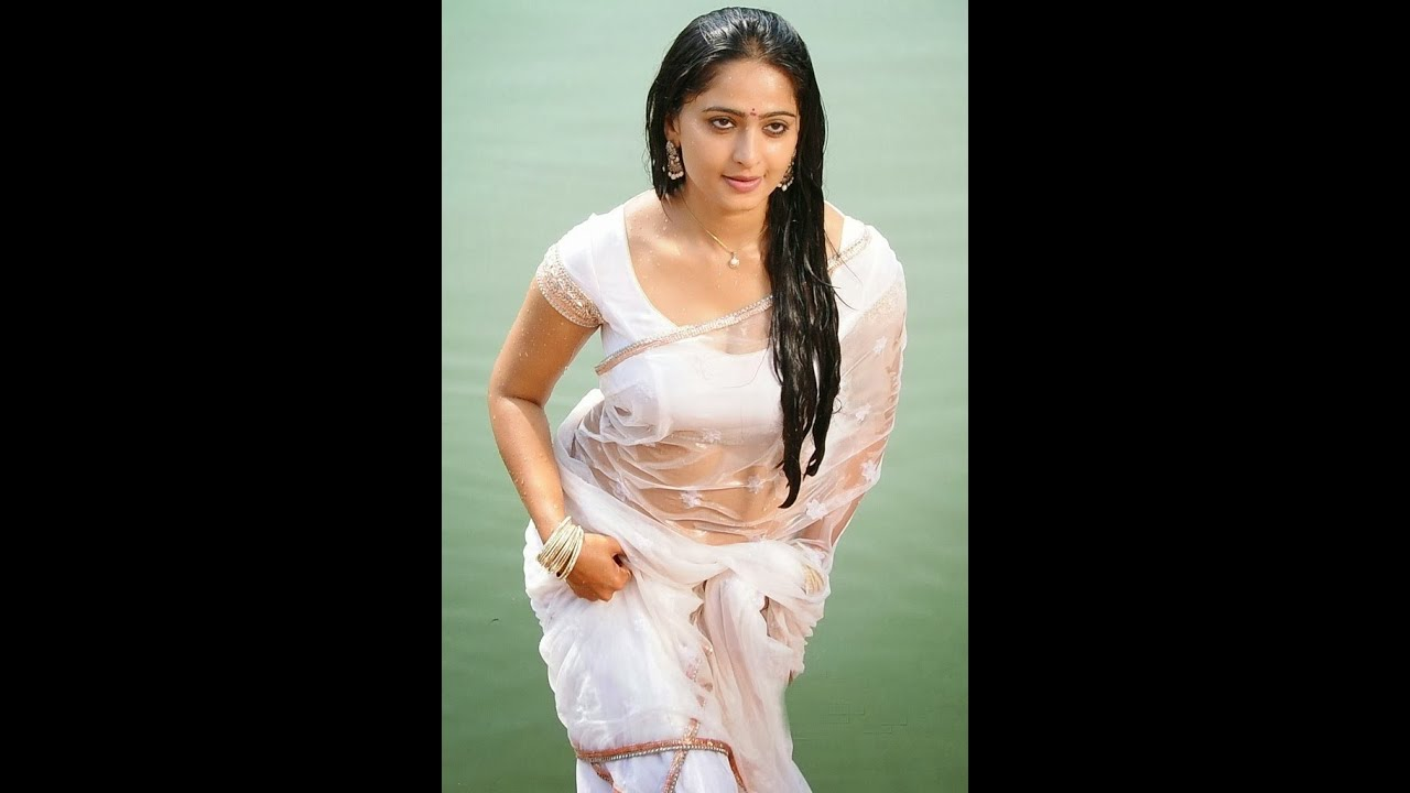 anushka saree images
