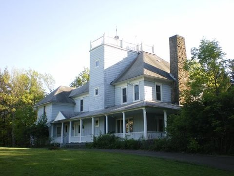 Inside Lucille Ball's Vacation Home In Norwich, New York