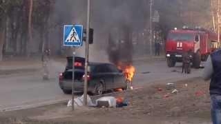 Автомобиль Загорелся На Ходу. Пожарные Оперативно Сработали