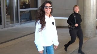 Baixar Camila Cabello Arrives At LAX Amid Rumors Of Breakup From Shawn Mendes