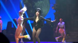 2017: Elvira Mistress of the Dark Knott's Scary Farm Haunt Front Middle Section 9/28/17 HD 5.1