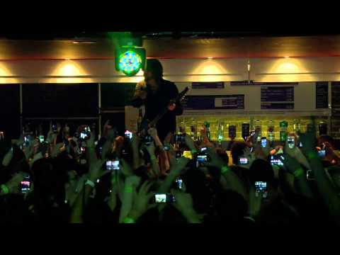 Foo Fighters live at iTunes Festival - Stacked Actors 1080p