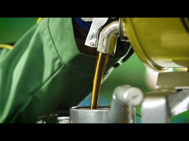 Wszechstronne zastosowanie oleju Hy-Gard | John Deere