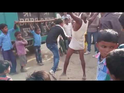 buddhe ne kiya aisa dance ki log hairan ho gye