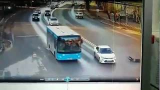 Наезд на пешехода на Октябрьском проспекте в Сыктывкаре