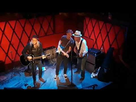 Elliott Murphy DIAMONDS BY THE YARD Rockwood NYC 8/1/2017 with Gaspard Murphy and Ernie Brooks