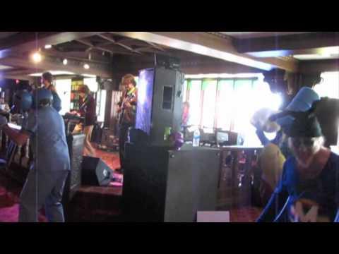 The Yellow Submorons-Hey Bulldog (Yellow Submarine Album Experience Pt.4)-AROTR 2011
