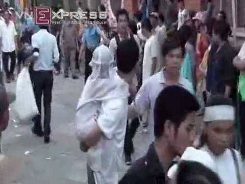 Đám Tang Nghệ Sĩ Hữu Lộc - WebYeuThuong.Com