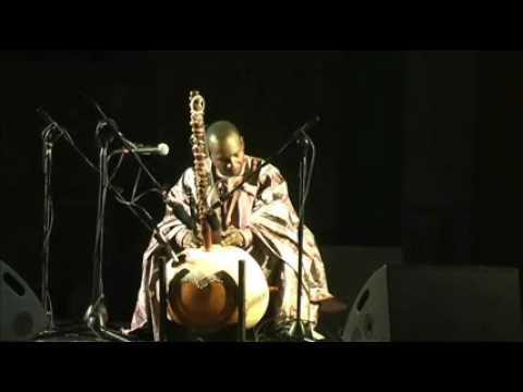 Elyne Road - Toumani Diabate live a Sermoneta