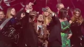 М1 Music Awards 2017: что происходит на сцене и чем удивляют зрителей