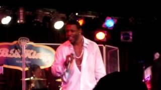 "WIZZY @ KEITH SWEAT ""TWISTED LIVE NYC ( BBKING) 09"