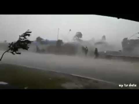 Angin puting beliung di kota banjar
