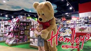 VLOG поход в детский магазин игрушек Hamley's. Настя танцует с мишкой.(, 2015-05-25T12:23:11.000Z)