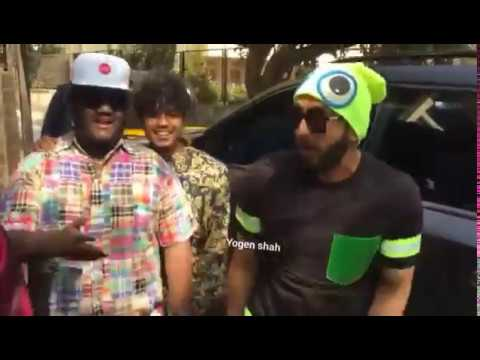 "Ranveer Singh Spotted Rapping ""Mere Gully Mein"" With Rappers"
