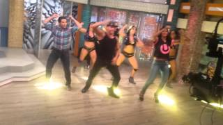 Grupo latinos clase de baile: FLOTANDO