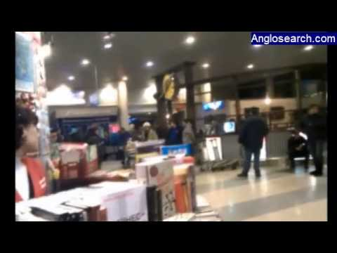 Suicide bomb attack kills 35 people at Moscow airport