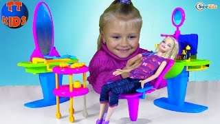 САЛОН КРАСОТЫ ДЛЯ БАРБИ Игрушки для девочек Ярослава играет с Куклой Beauty Salon for Barbie Doll