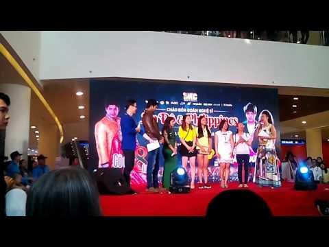 Diễn viên Cô dâu 8 tuổi hát với fan tại Việt Nam