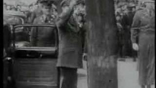 "Japanese children sing ""happy birthday"" to MacArthur"
