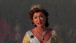 Christer Lindarw / After Dark som Drottning Silvia i