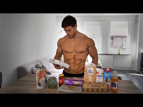 WHAT I EAT IN A DAY TO STAY SHREDDED // HOW I COUNT CALORIES