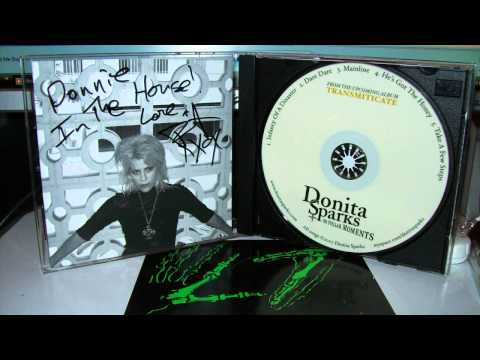 Donita Sparks - DEATHWISH / HE'S GOT THE HONEY  (LIVE  2007)