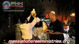 WITCHCRAFT? Jews Sacrifice CHICKENS for Day of Atonement!