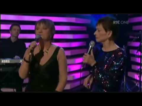 'Blanket on the Ground' - Philomena Begley and Billie Jo Spears | Late Late Show, 2009