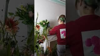 flower arranging frontfaced&am…
