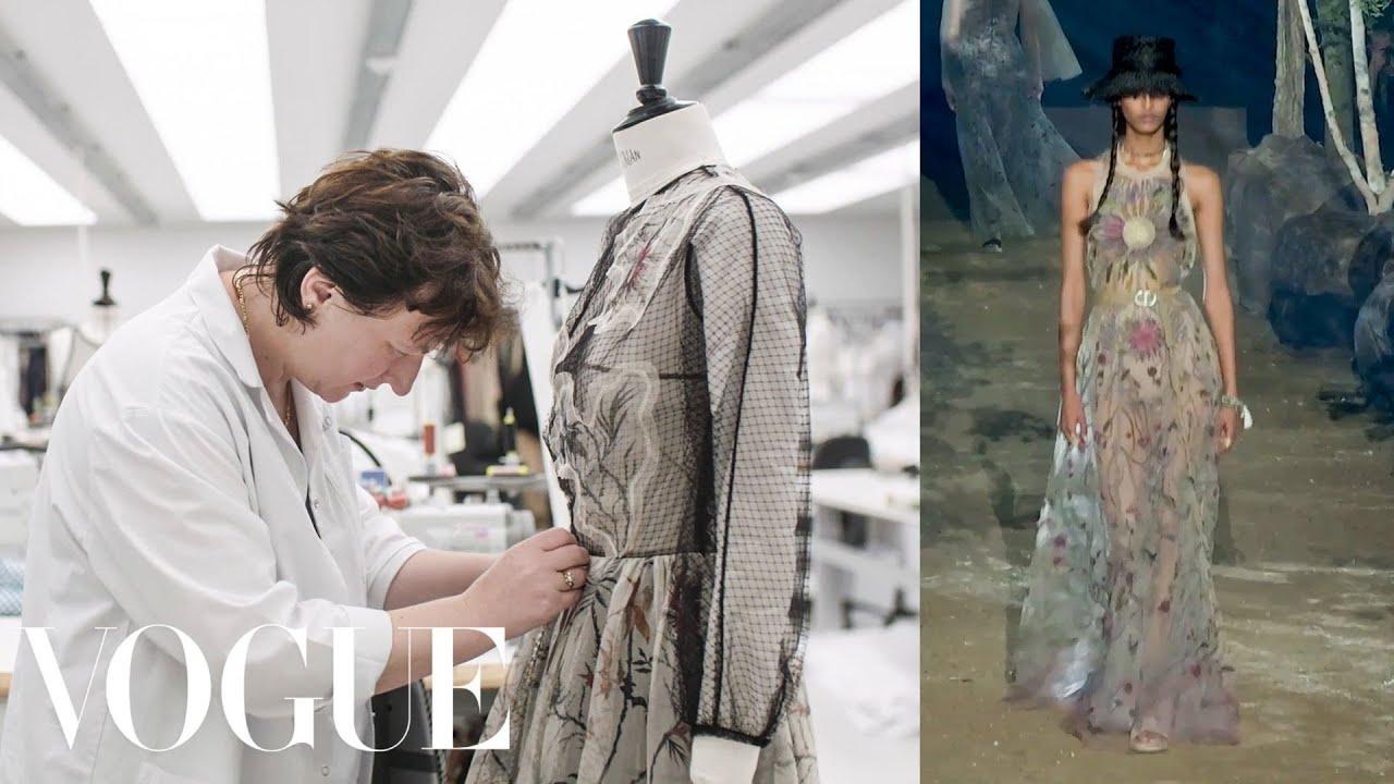 Од цртеж до модна писта: Како се изработува фустан на Dior?