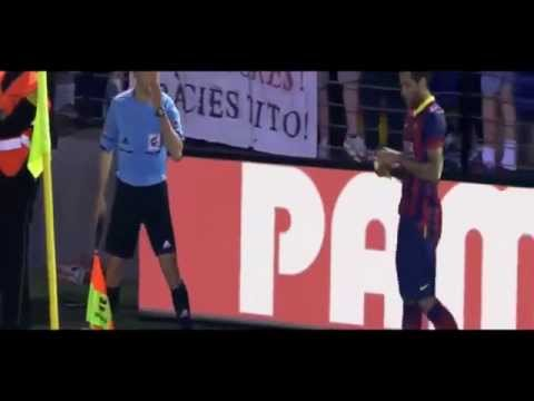 Dani Alves eats Banana Villareal vs Barcelona 2-3 2014 HD