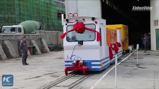 Self-driving electric locomotive unveiled in Lanzhou, China