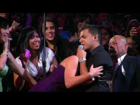 Tito El Bambino - Te Pido Perdon Live (Premios Lo Nuestro 2010)_(HD).avi