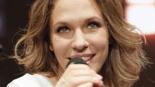 Смотреть клип Lorie Pester - La Vie Est Belle