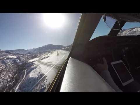 Gulfstream V landing at Aspen