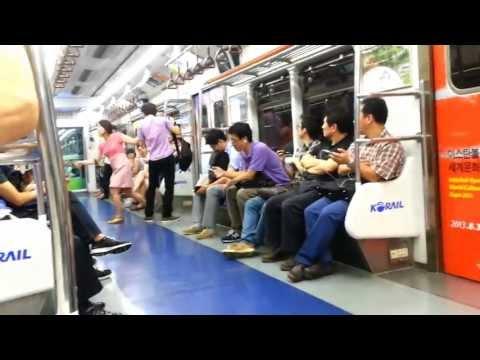 SEOUL SUBWAY: Korean girl slaps pervert on train