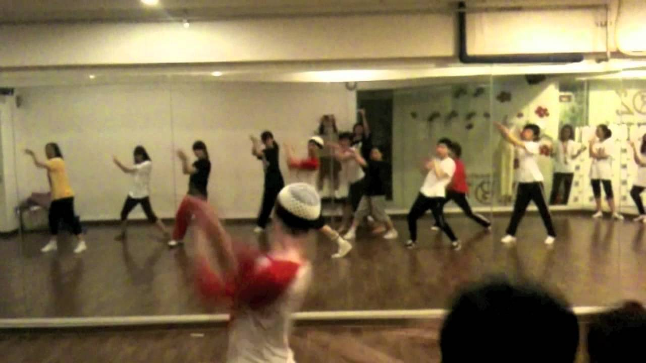 Download Till the world ends - Briteny spears @ EZ dance