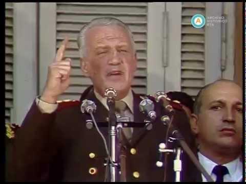 """Galtieri en la Plaza de Mayo: """"si quieren venir, que venga"""", 1982 (fragmento II)"""